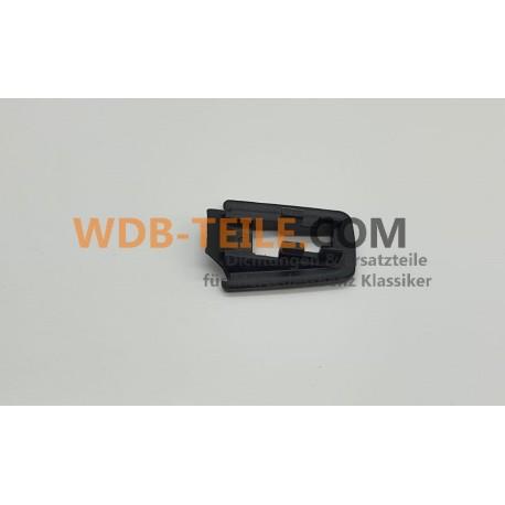 Etanșare originală pentru mânerul ușii pentru W201 190E 190D A2017660105 7C45